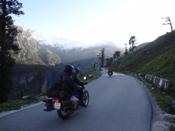 MANALI-ROHTANG PASS RIDE