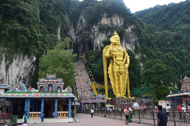 Batu Caves - Lord Murugan Statue