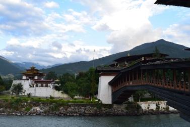 The bridge and Mo Chhu