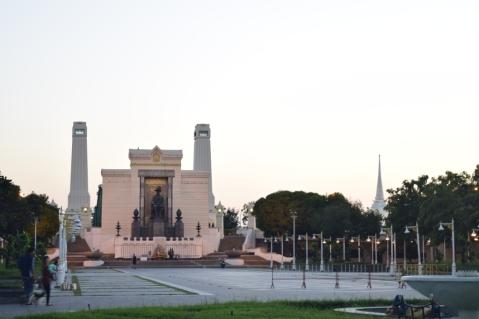 King Rama I - monument